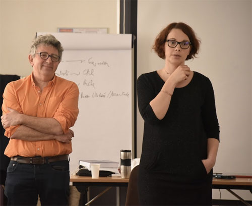 https://www.hypnose-ericksonienne.org/agenda/1ere-annee-Session-2-Techniques-de-base-de-l-hypnose-2-Pratiques-avancees-3-jours-Paris-Groupe-A_ae673770.html