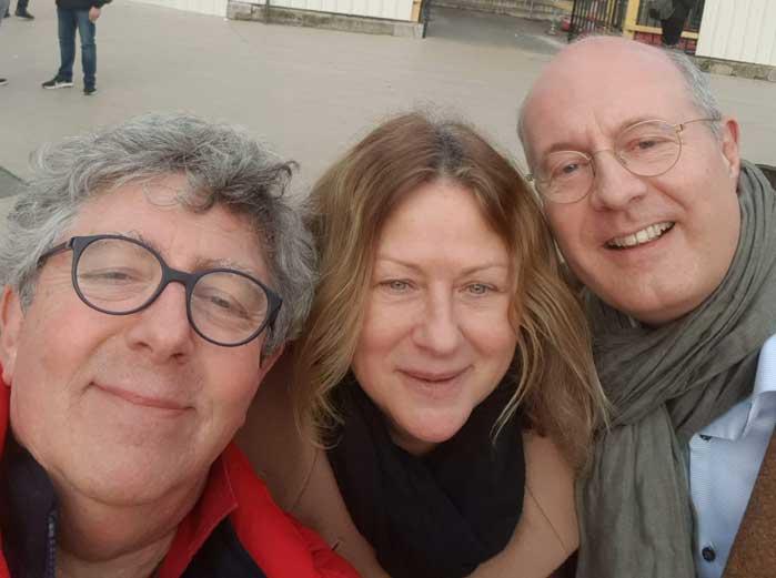 Et Isabelle NICKLES, organisatrice du 11ème Forum à Montpellier, passe le flambeau à Marco KLOP...
