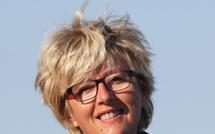 Mise en place et pratique de l'hypnose en salle de cardiologie interventionnelle ou à coeur vaillant, Cécile Fougère au Congrès Hypnose Douleur